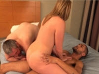 Porno cuckold con bella porca sfondata in figa