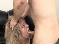 Sesso anale per una arrapata puttana vogliosa